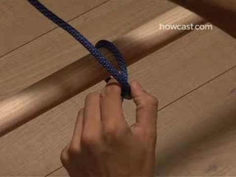 How to tie a clove hitch.